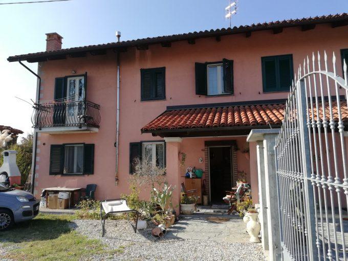 F22/19 – Fossano – Casa indipendente MQ.130 – 4 locali