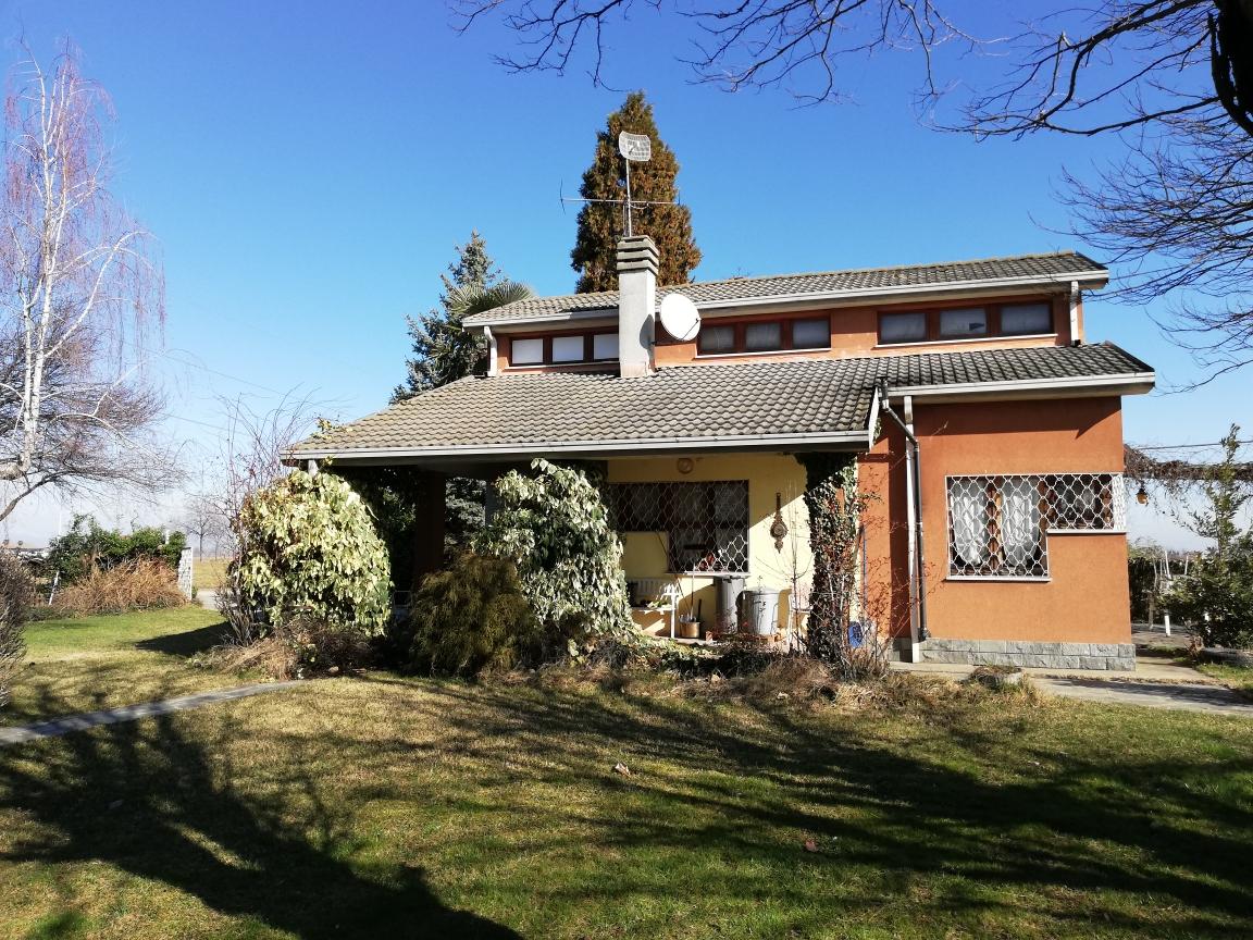CE01/20 – Centallo  – Casa indipendente MQ.110 – 4 locali