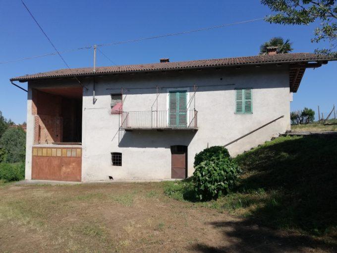 P02/21 – Piozzo – Casa indipendente MQ.150 – 5 locali