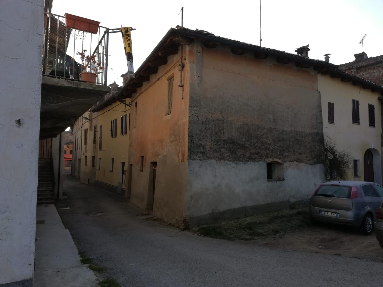 B01/19 – Bene Vagienna – Casa semi indipendente MQ.80 – 4 locali